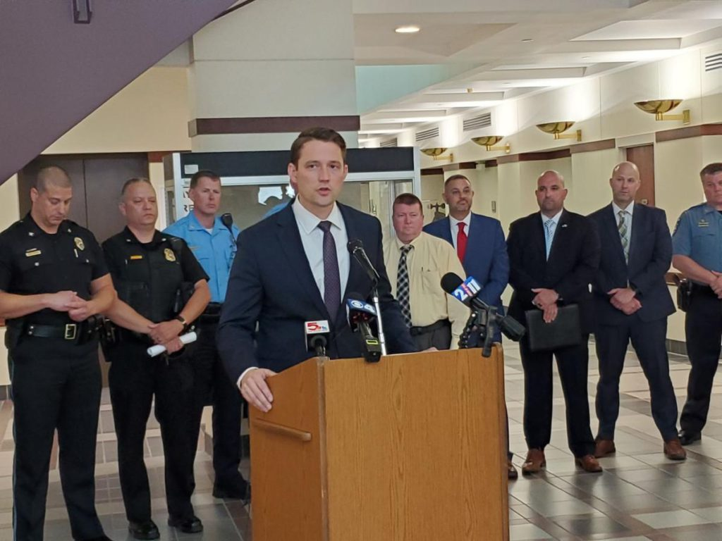 With an eye toward St. Louis, Madison County set to launch crime-fighting task force